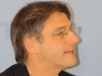 Dr. Manfred Sapper